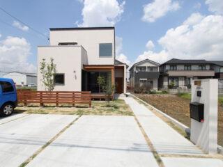中萱津の家